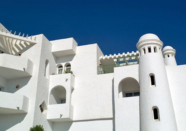монастир пляж